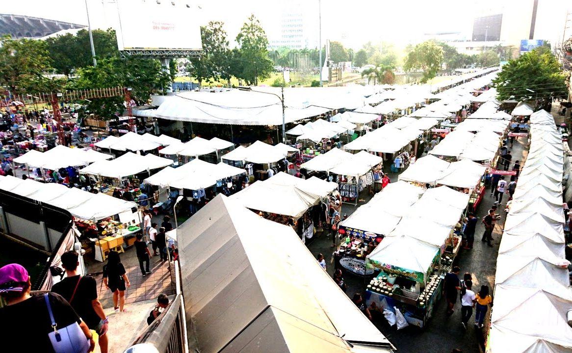 Ramkhamhaengeng Market.