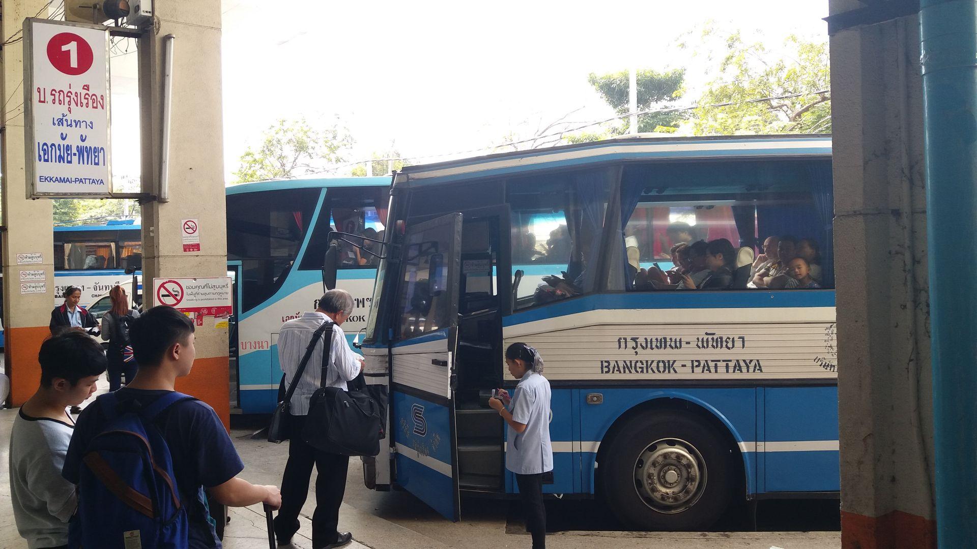 Autobus Bangkok - Pattaya.