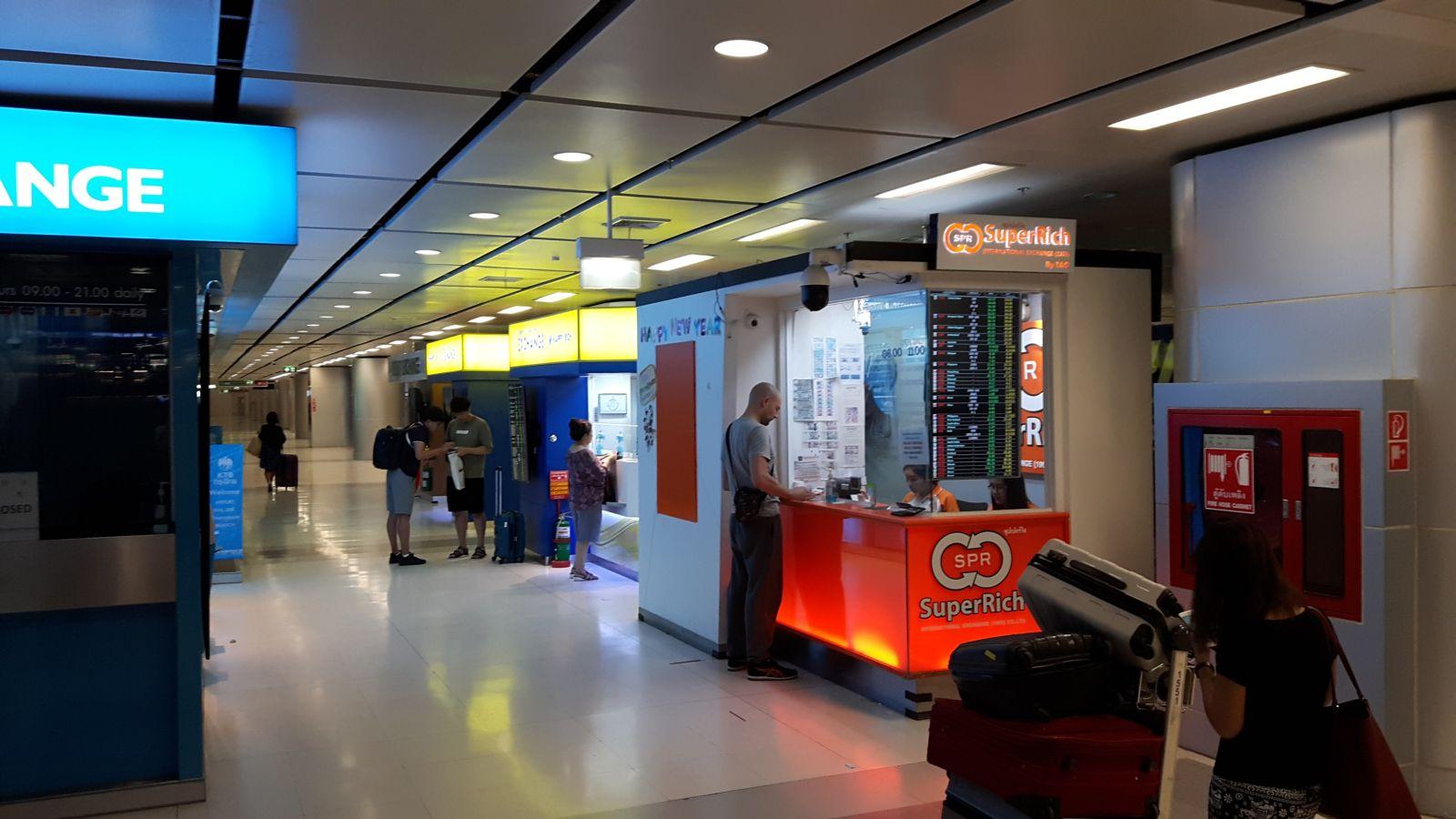 Kontor SuperRich na lotnisku Suvarnabhumi