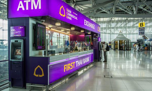 Wymiana walut na lotnisku Sauvarnaphumi w Bangkoku