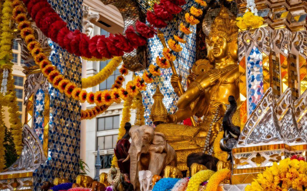 Erawan Shrine w Bangkoku