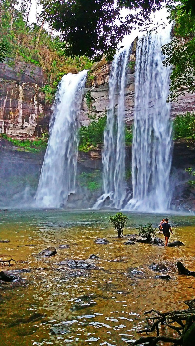 Wodospad Huai Lung w prowincji Ubon Ratchathani, Isan.