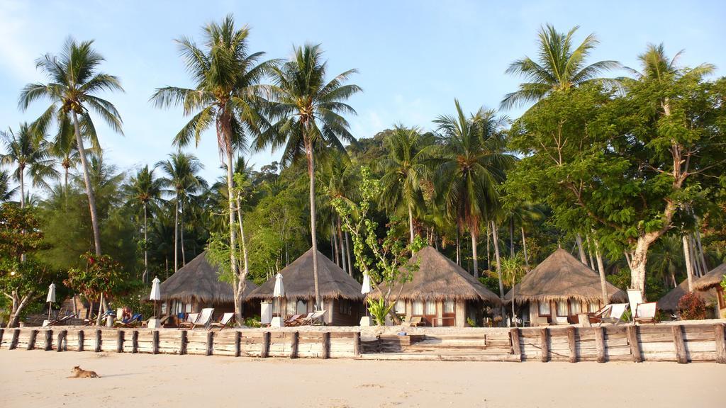 Thapwarin Resort na wyspie Koh Ngai, Krabi.