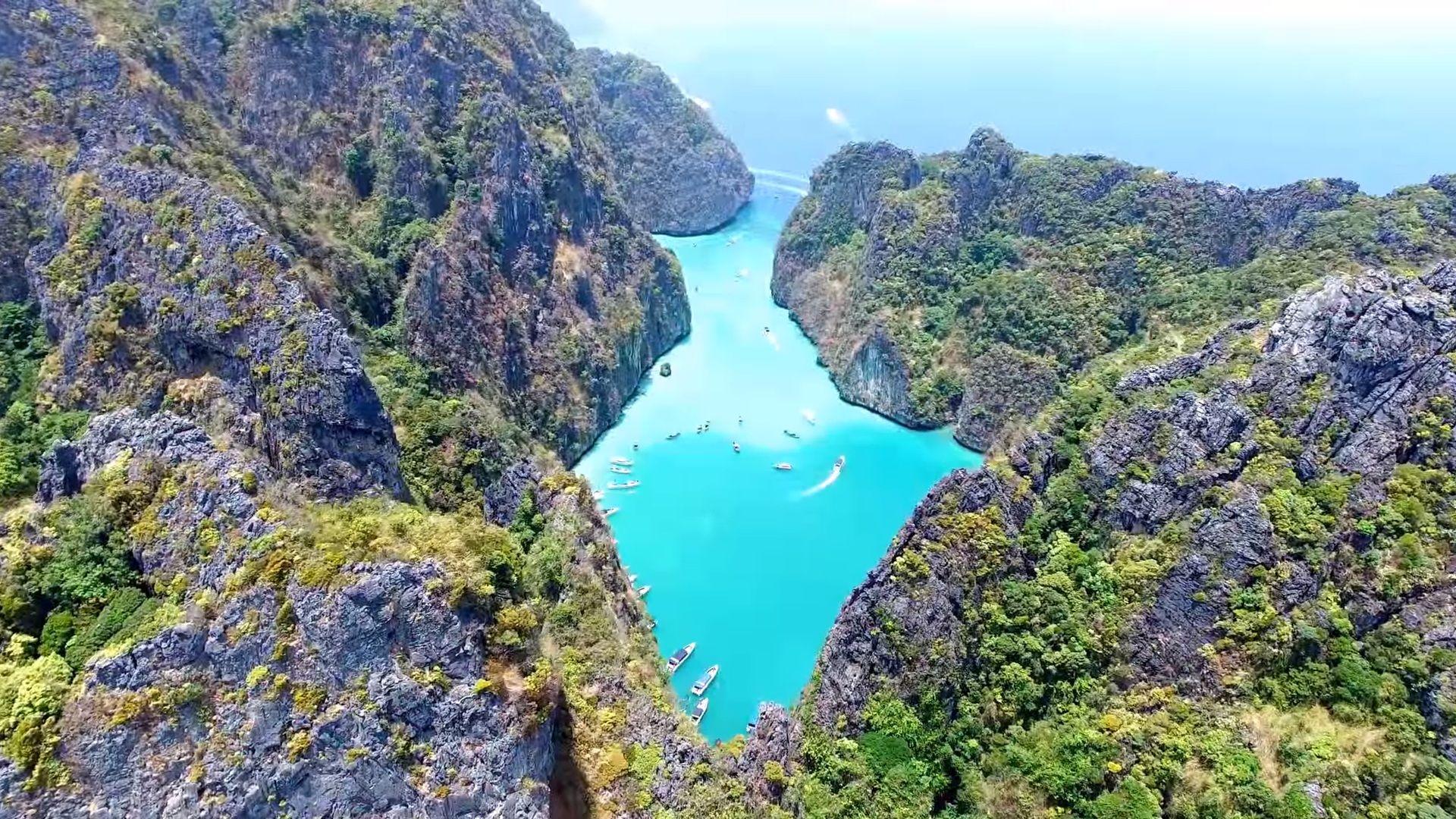 Laguna Pileh na wyspie Phi Phi Lee, Krabi.