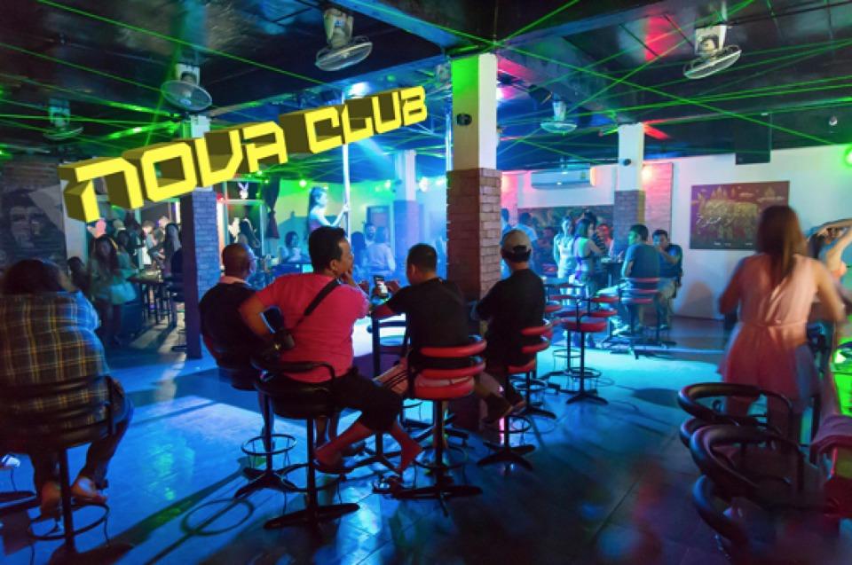 Nova Club w Center Point.