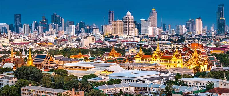 Dzielnica Rattanakhosin z Wielkim Pałacem w Bangkoku.