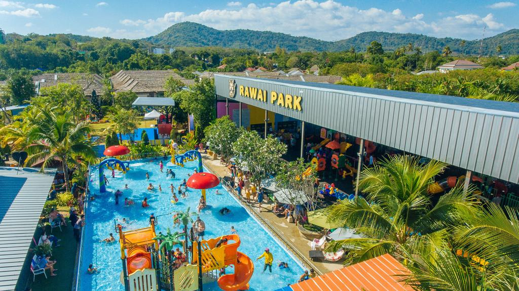 Rawai Park, Phuket.