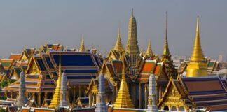 Świątynia Szmaragdowego Buddy na terenie Wielkiego Pałacu w Bangkoku