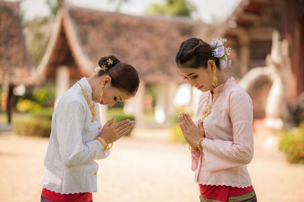 powitanie wai tajlandia