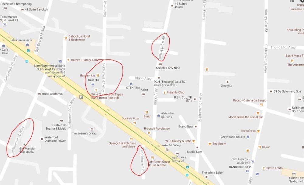 Rozrzut pomiędzy numerami parzystymi a nieparzystymi na ulicy Sukhumvit.