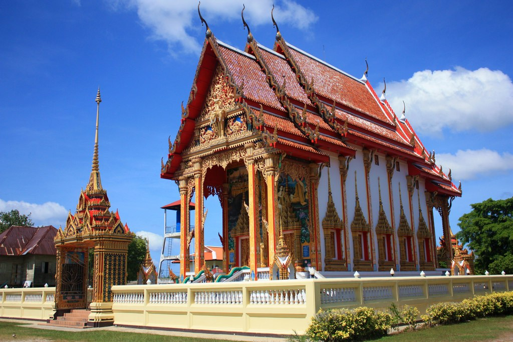 Wat Cherng Talay, Phuket.